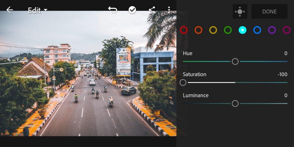 Gambar mengatur mix warna lightblue di Lightroom Mobile