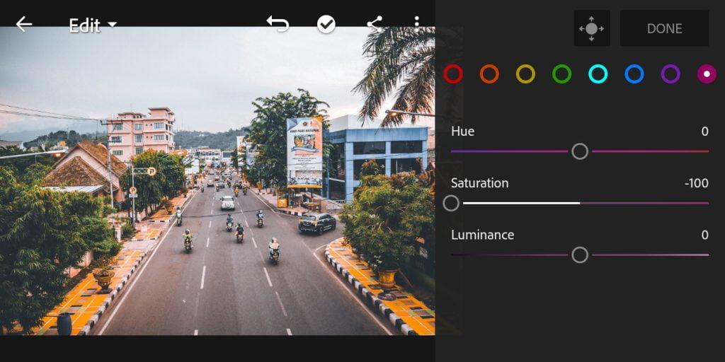 Gambar mengatur mix warna purple di Lightroom Mobile