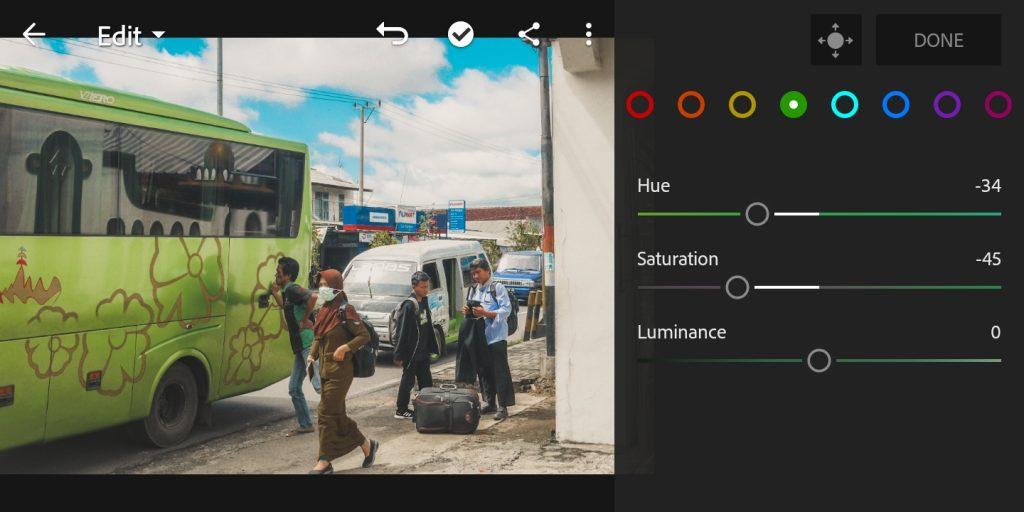 Gambar mengatur mix color hijau foto untuk efek soft brown di lightroom mobile