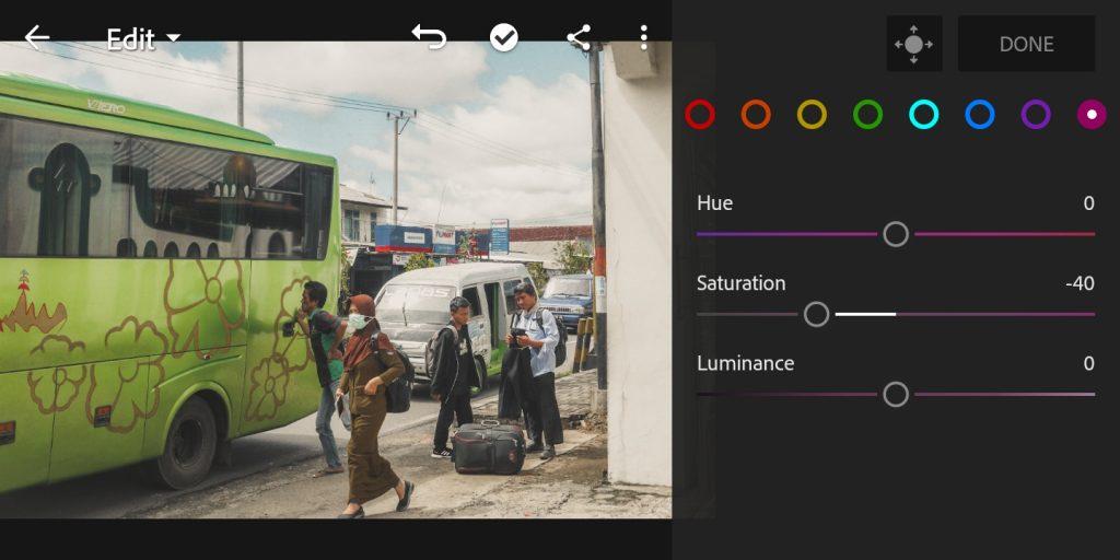 Gambar mengatur mix color purple foto untuk efek soft brown di lightroom mobile